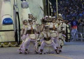 foto desfile Rosas de Ouro